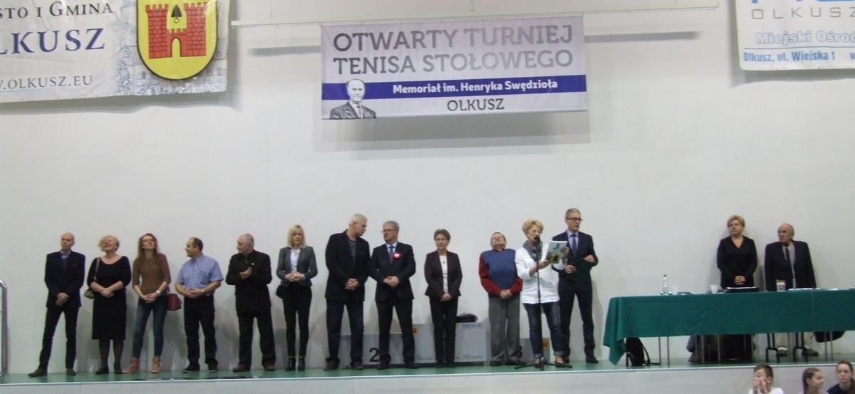 Zdjęcie z otwarcia Międzynarodowego Otwartego Turnieju Tenisa Stołowego 2. Memoriał Henryka Swędzioła