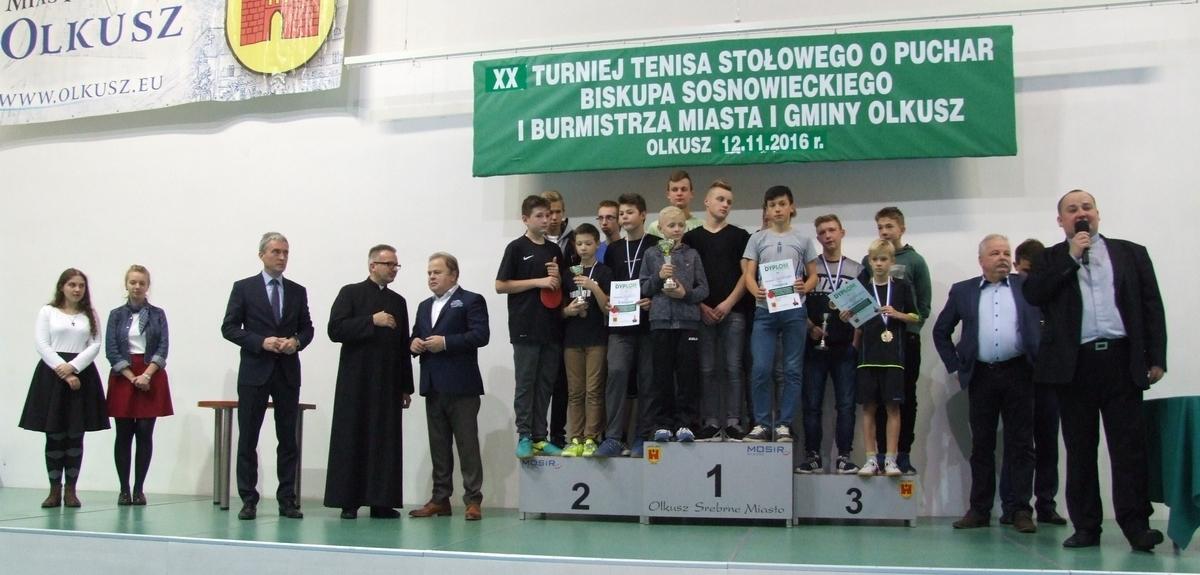 Zdjęcie finalistów XX Turnieju Tenisa Stołowego LSO