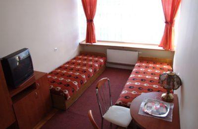 Więcej o: Od 18 maja uruchomienie pokoi gościnnych MOSiR w Olkuszu