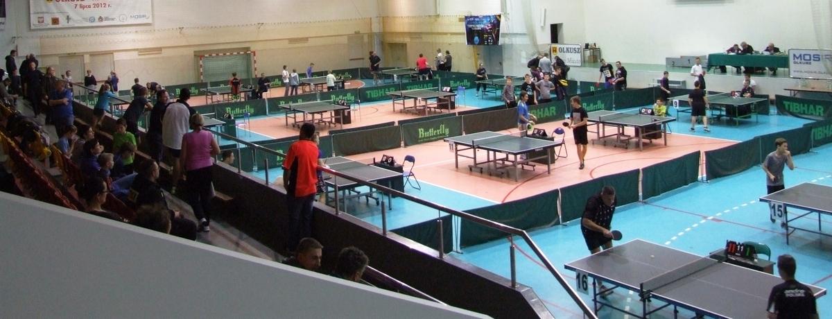 Zdjęcie promujące turnieje tenisa stołowego w Olkuszu