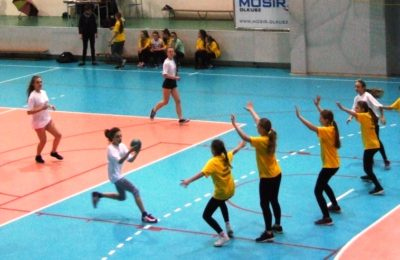 Więcej o: Rejonowe Igrzyska w Piłce Ręcznej Dziewcząt