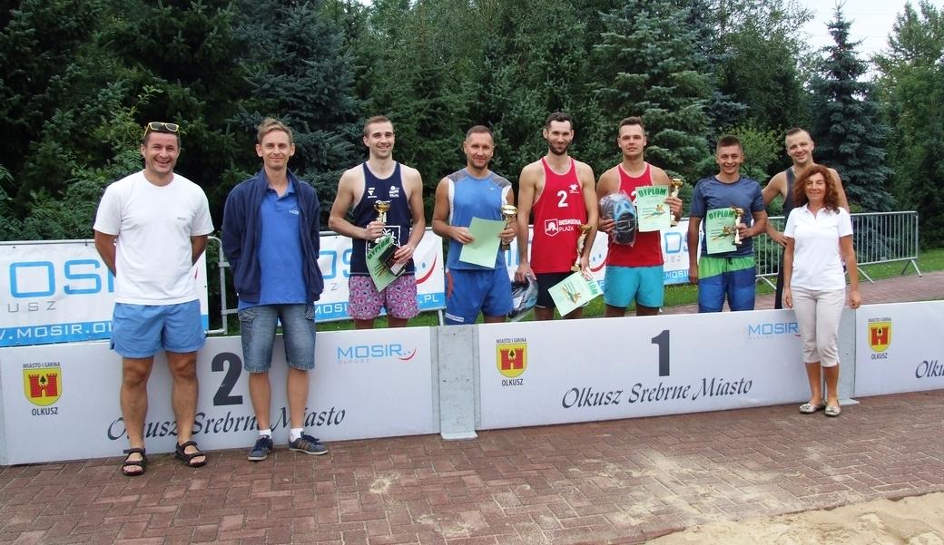 Finaliści Otwartego Turnieju Siatkówki Plażowej