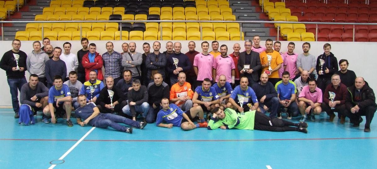 Uczestnicy podczas Turnieju Piłki Nożnej z okazji 10-lecia OLOF