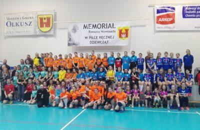 Więcej o: VIII Ogólnopolski Memoriał Romana Nowosada – turniej piłki ręcznej dziewcząt