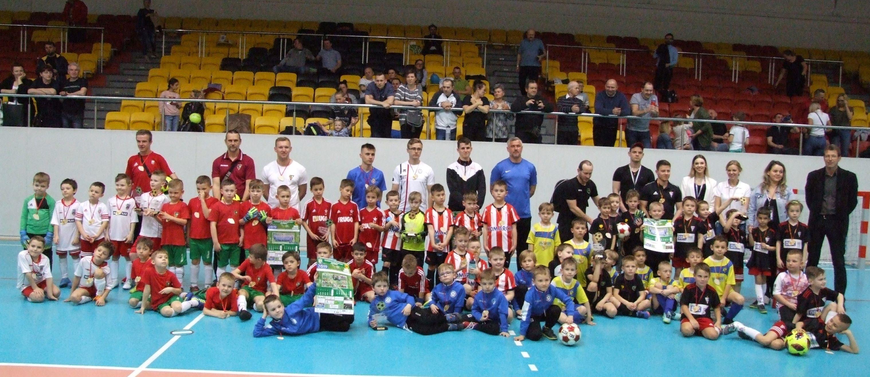 Zdjęcie drużyn biorących udział w turnieju