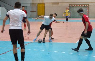 Więcej o: Otwarty Turniej Halowej Piłki Nożnej o Puchar Srebrnego Miasta – Faza Eliminacyjna – Sobota